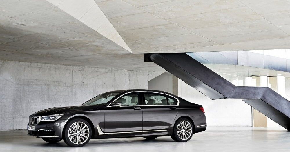 The all-new BMW 730 Li brings new levels of luxury and power to the King... (3)