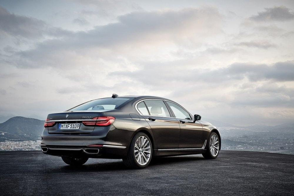 The all-new BMW 730 Li brings new levels of luxury and power to the King... (4)
