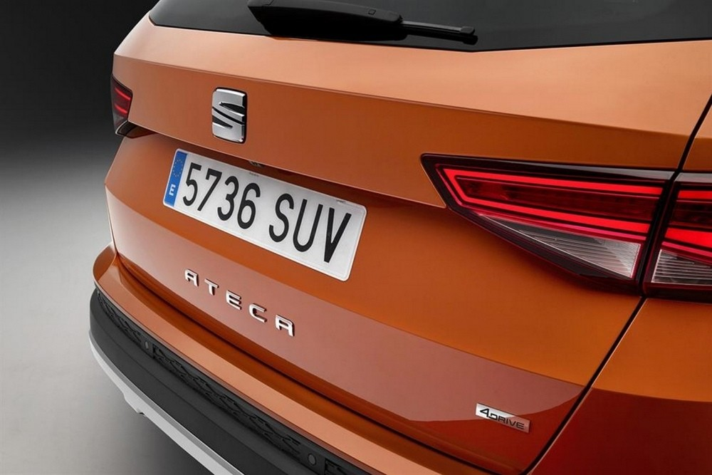 first-seat-suv-is-called-ateca-official-images-leaked-ahead-of-debut_3