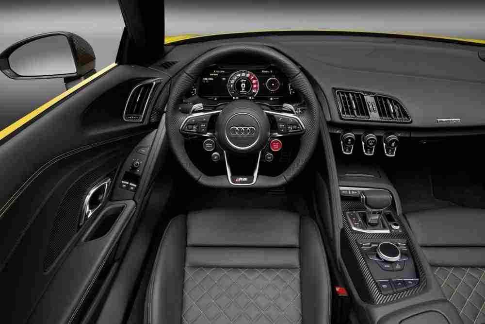 2017-Audi-R8-Spyder-35