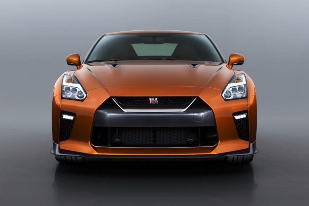 2017-Nissan-GT-R-FL-35
