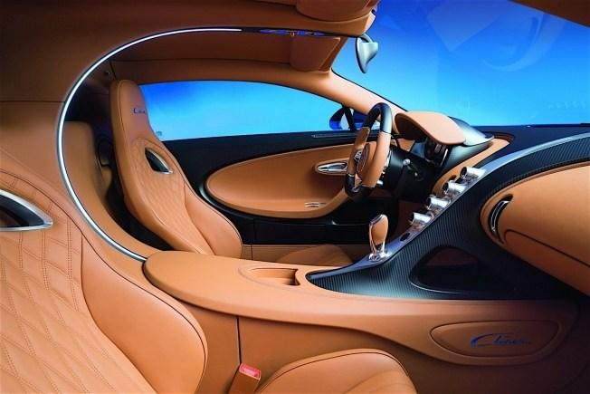 2017-bugatti-chiron-lets-its-quad-turbocharged-w16-loose_14