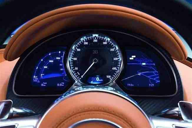 2017-bugatti-chiron-lets-its-quad-turbocharged-w16-loose_17