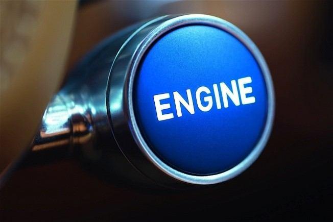 2017-bugatti-chiron-lets-its-quad-turbocharged-w16-loose_19