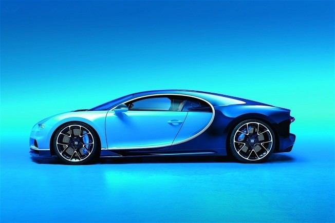 2017-bugatti-chiron-lets-its-quad-turbocharged-w16-loose_2