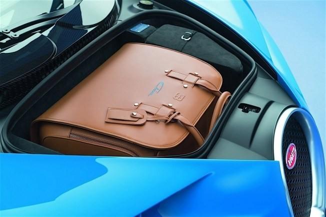 2017-bugatti-chiron-lets-its-quad-turbocharged-w16-loose_27