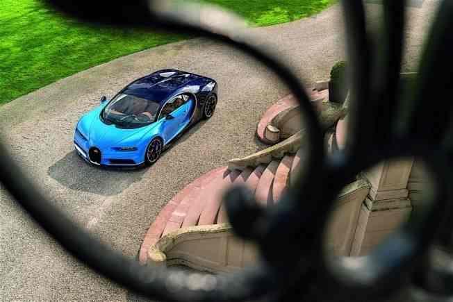 2017-bugatti-chiron-lets-its-quad-turbocharged-w16-loose_31