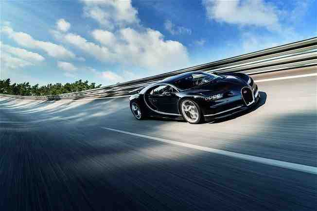2017-bugatti-chiron-lets-its-quad-turbocharged-w16-loose_35