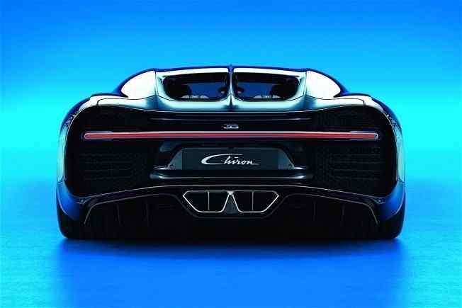 2017-bugatti-chiron-lets-its-quad-turbocharged-w16-loose_5