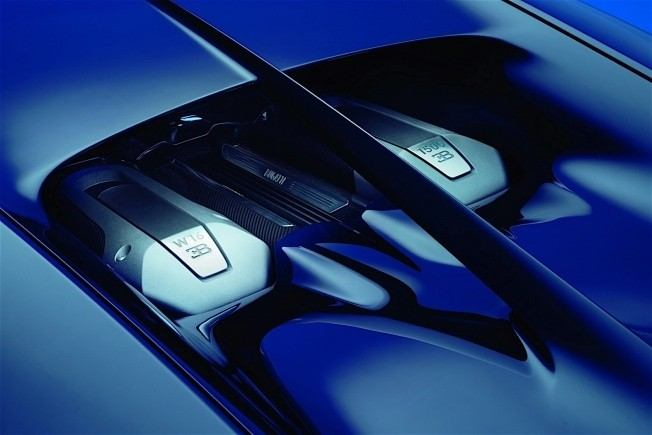 2017-bugatti-chiron-lets-its-quad-turbocharged-w16-loose_6