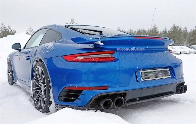 2017-porsche-911-gt2-spied-in-winter-testing-with-no-camo_2