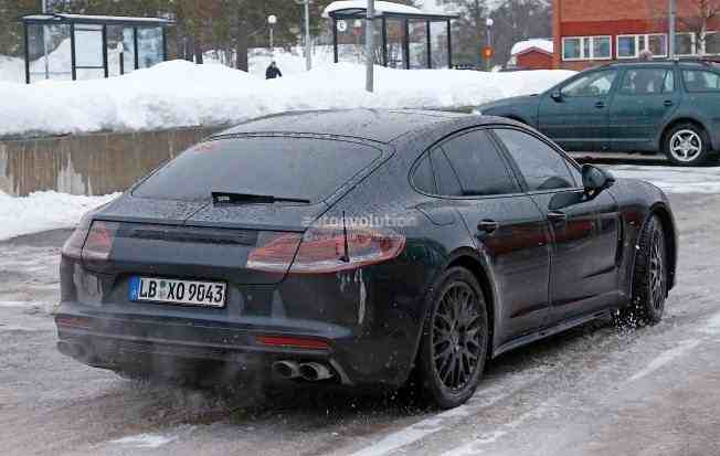 2017-porsche-panamera-spied-testing-in-the-arctic-circle_13