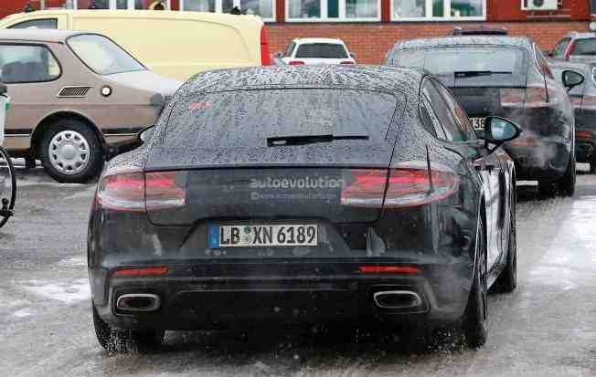 2017-porsche-panamera-spied-testing-in-the-arctic-circle_16