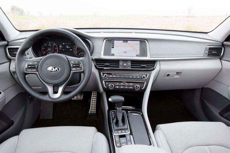 New-Kia-Optima-SW-Carscoops12