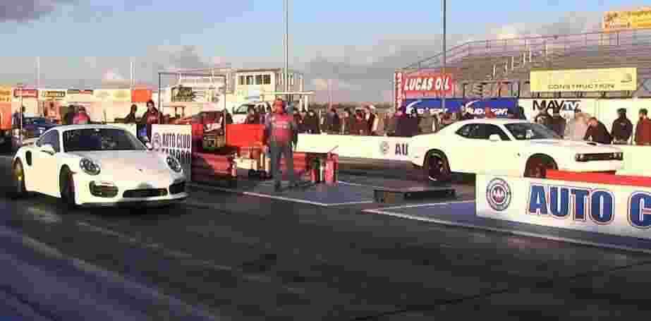 tuned-hellcat-vs-tuned-porsche-911-turbo-s-dodge-driver-s-fail-ruins-drag-race-106019_1