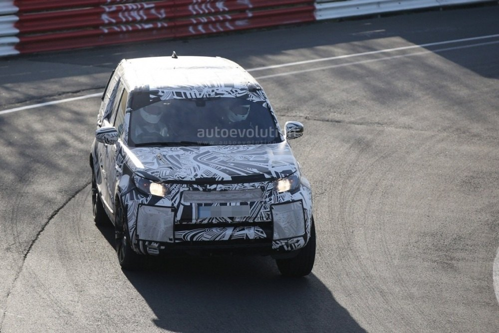 2017-land-rover-discovery-testing-at-the-nurburgring_1