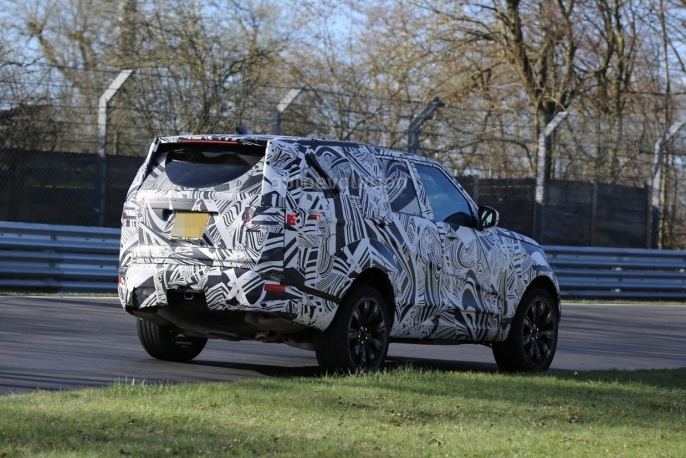 2017-land-rover-discovery-testing-at-the-nurburgring_10
