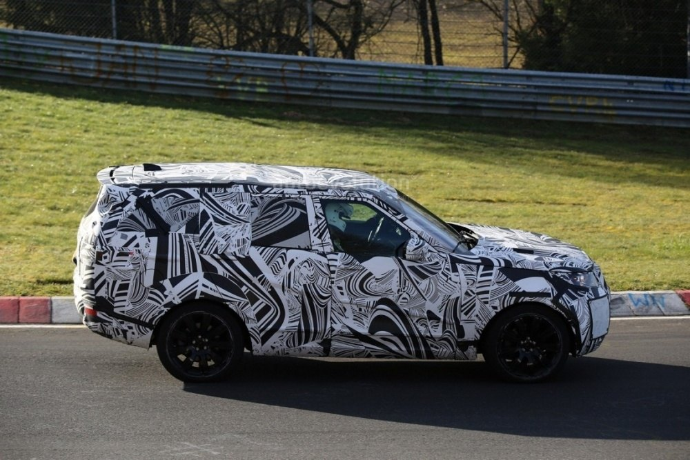 2017-land-rover-discovery-testing-at-the-nurburgring_4