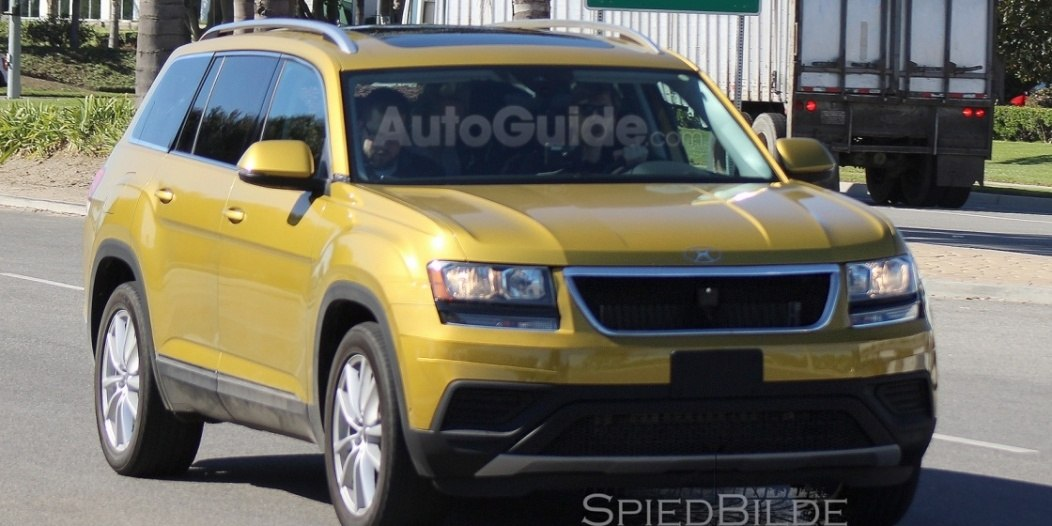 2017-volkswagen-three-row-suv-spy-photos-04