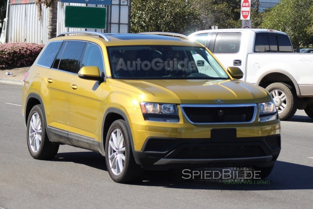 2017-volkswagen-three-row-suv-spy-photos-05