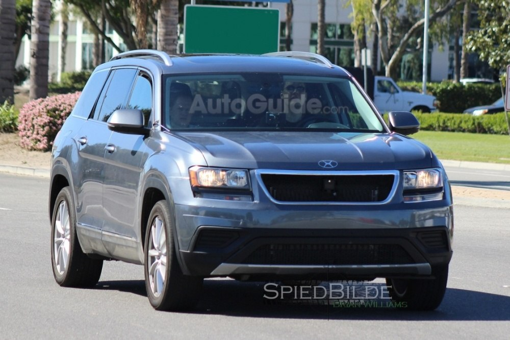 2017-volkswagen-three-row-suv-spy-photos-12