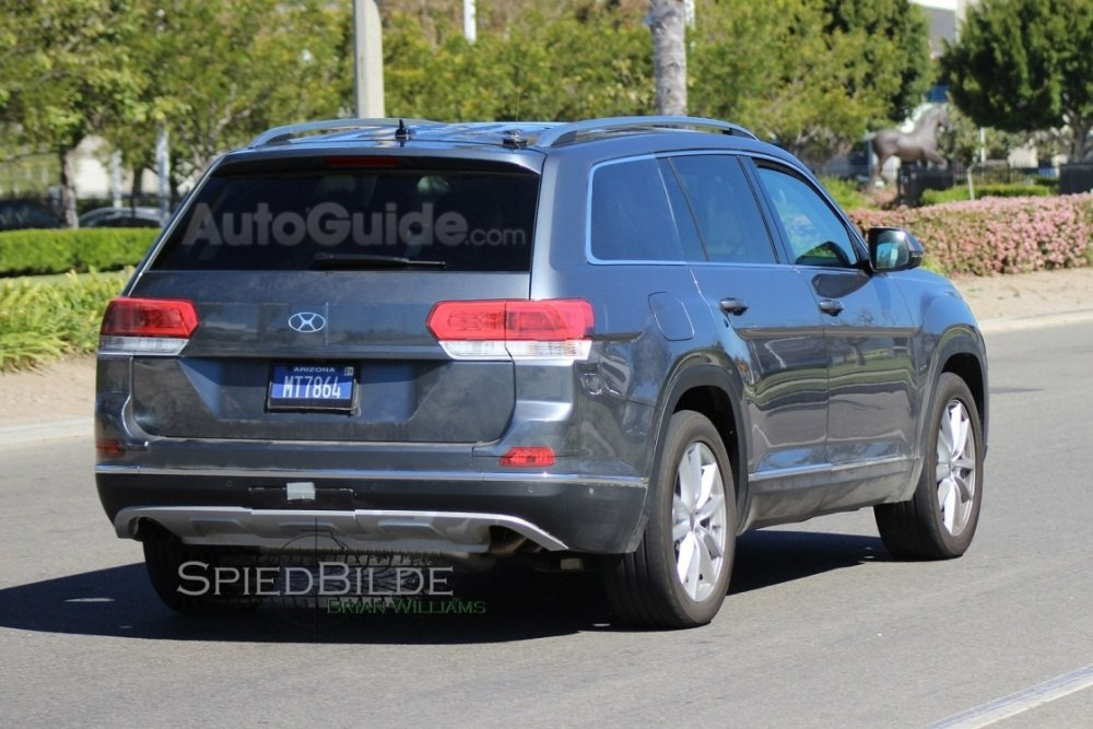 2017-volkswagen-three-row-suv-spy-photos-14