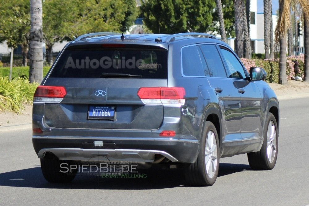 2017-volkswagen-three-row-suv-spy-photos-15