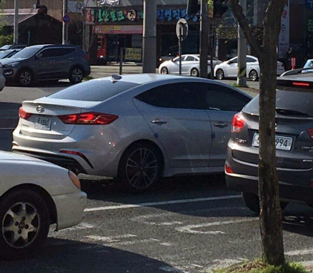 Hyundai-Elantra-Sport-1