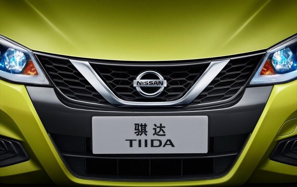 Nissan-Tiida-10