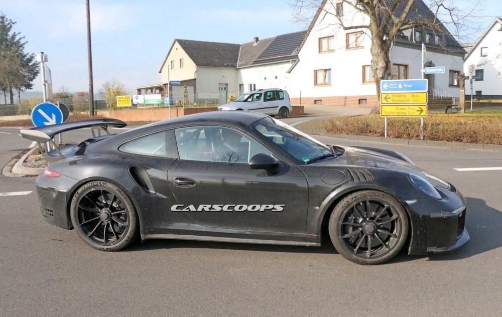 Porsche-911-Gt3-RS-FL8