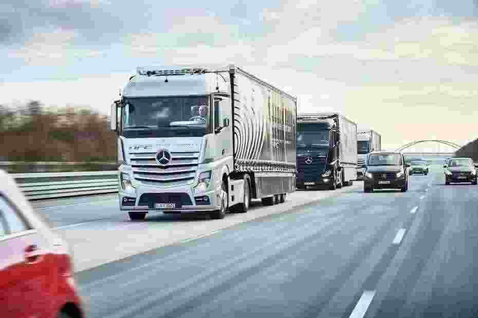 daimler-autonomous-truck-drive-stuttgart-rotterdam-2