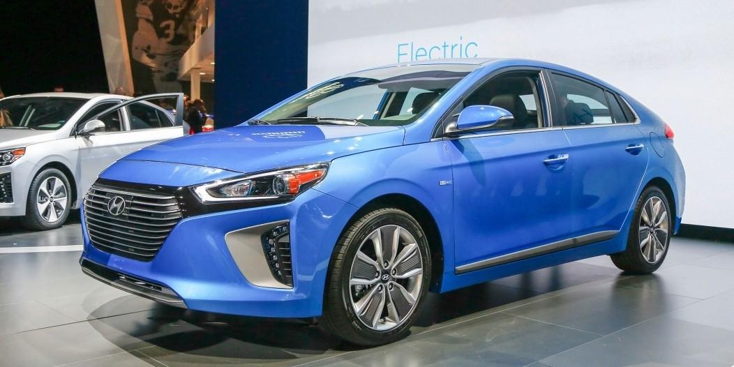 Hyundai Ioniq Electric >> سيارات هيونداي الكهربائية ستقطع حتى مسافة 400 كم في 2020 ...