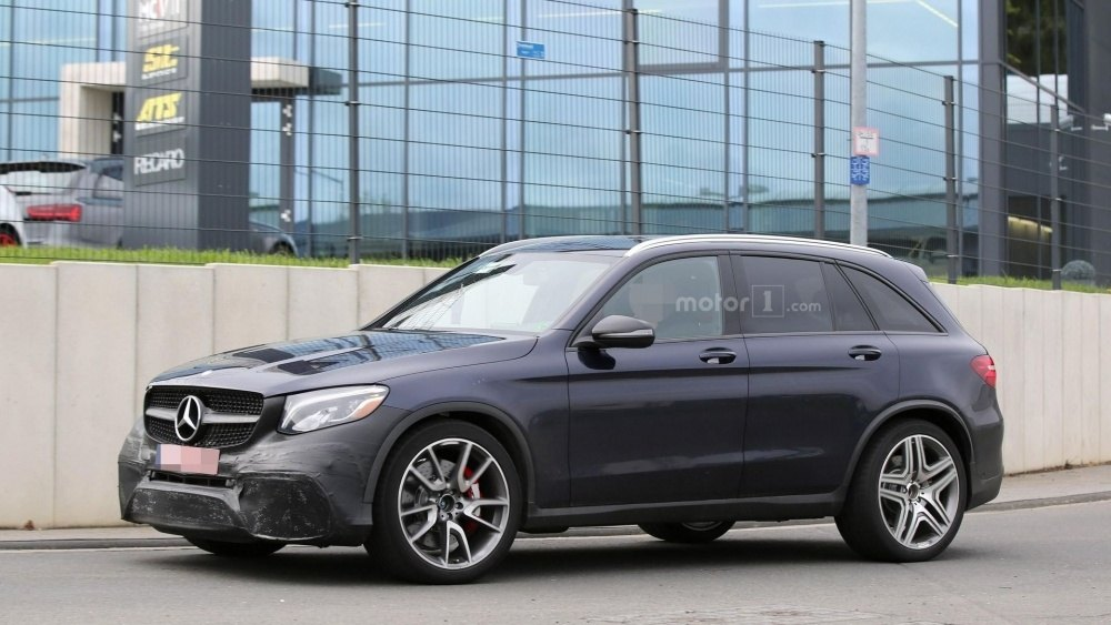 2017-mercedes-amg-glc-63-spy-photo (10)