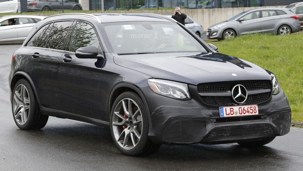 2017-mercedes-amg-glc-63-spy-photo