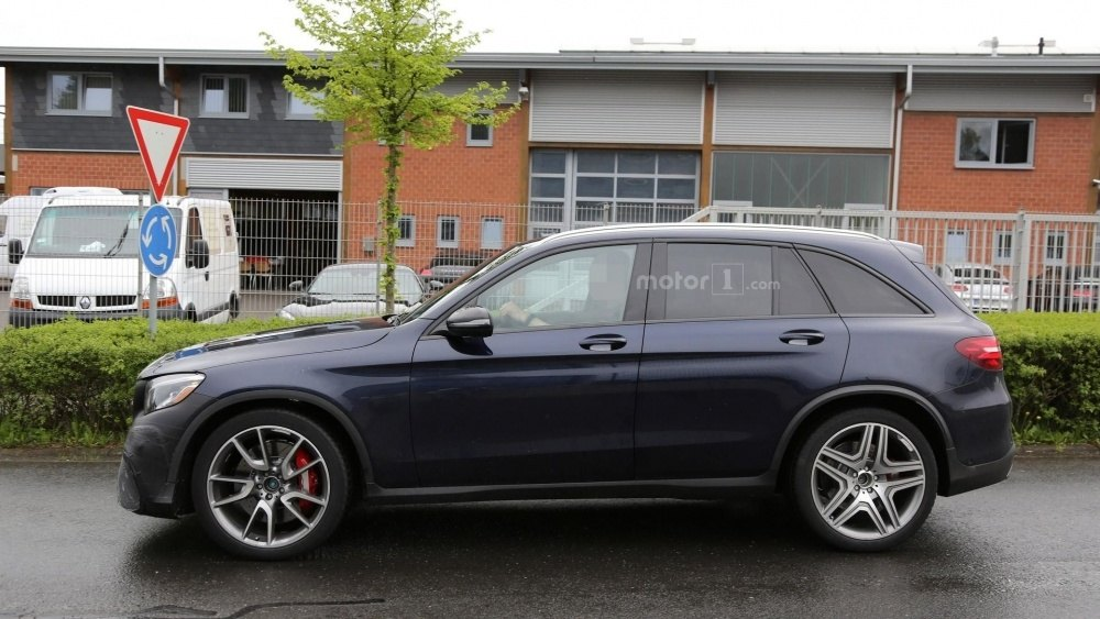 2017-mercedes-amg-glc-63-spy-photo (12)