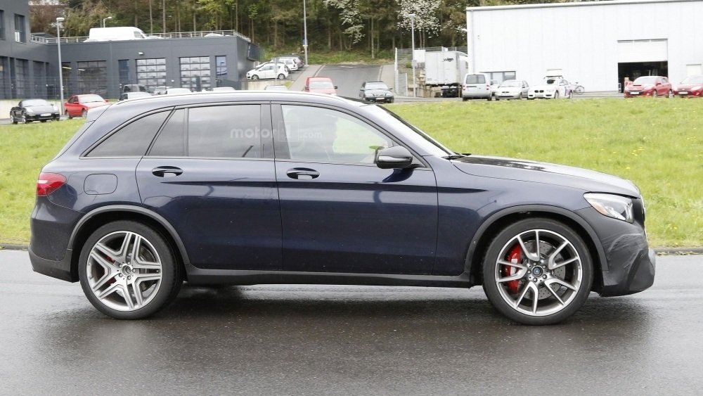 2017-mercedes-amg-glc-63-spy-photo (14)