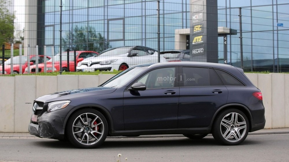 2017-mercedes-amg-glc-63-spy-photo (15)