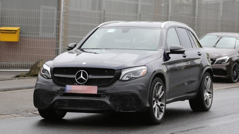 2017-mercedes-amg-glc-63-spy-photo (3)
