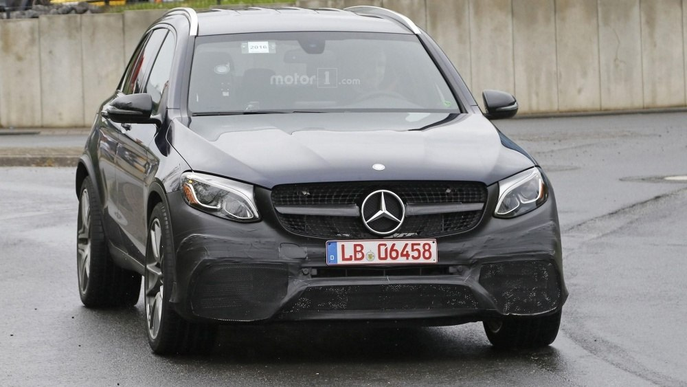 2017-mercedes-amg-glc-63-spy-photo (4)
