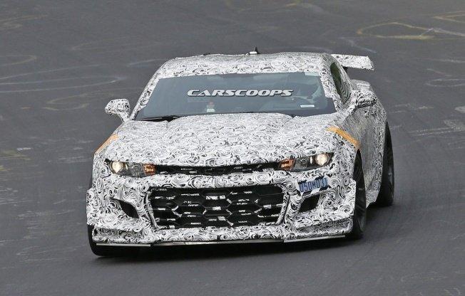 2018-Camaro-Z28-1