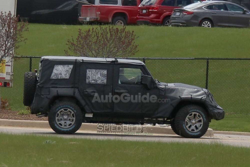 2018-jeep-wrangler-spy-photos-05