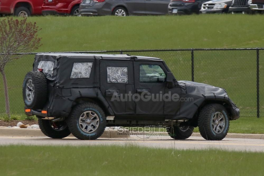 2018-jeep-wrangler-spy-photos-06