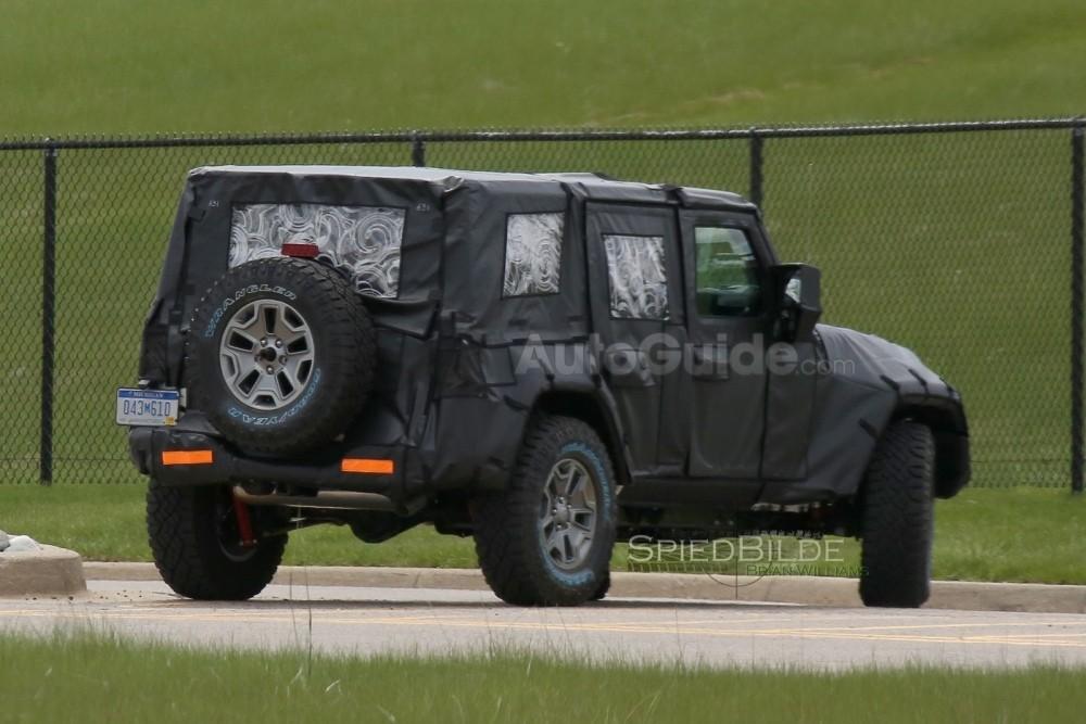 2018-jeep-wrangler-spy-photos-08
