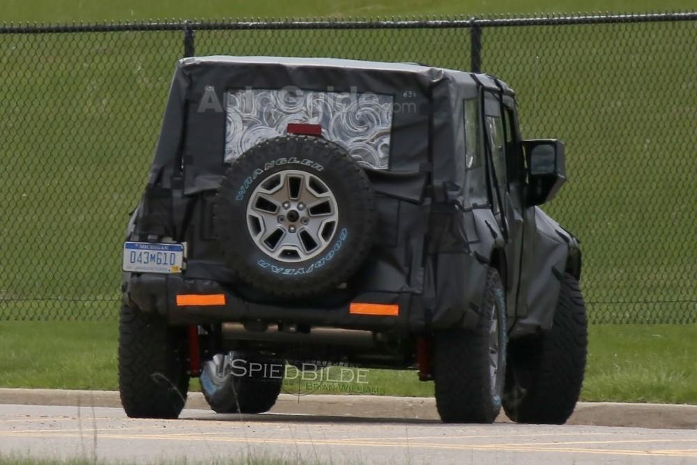 2018-jeep-wrangler-spy-photos-09