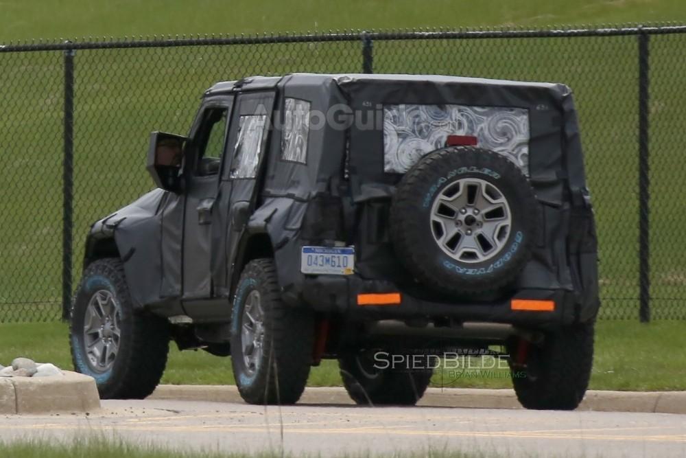 2018-jeep-wrangler-spy-photos-11