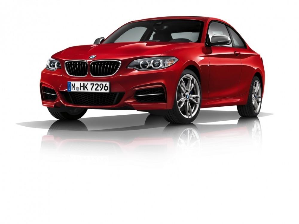BMW-M240i-2