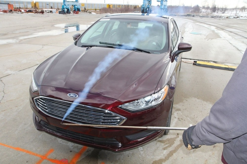 Ford-Fusion-testing-portable-wind-tunnel