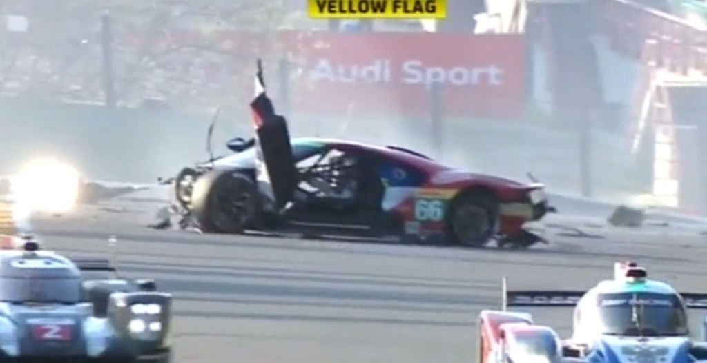 Ford-GT-race-car-crash-at-Spa-1