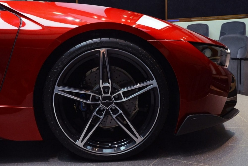 bmw-i8-lava-red-abu-dhabi-18