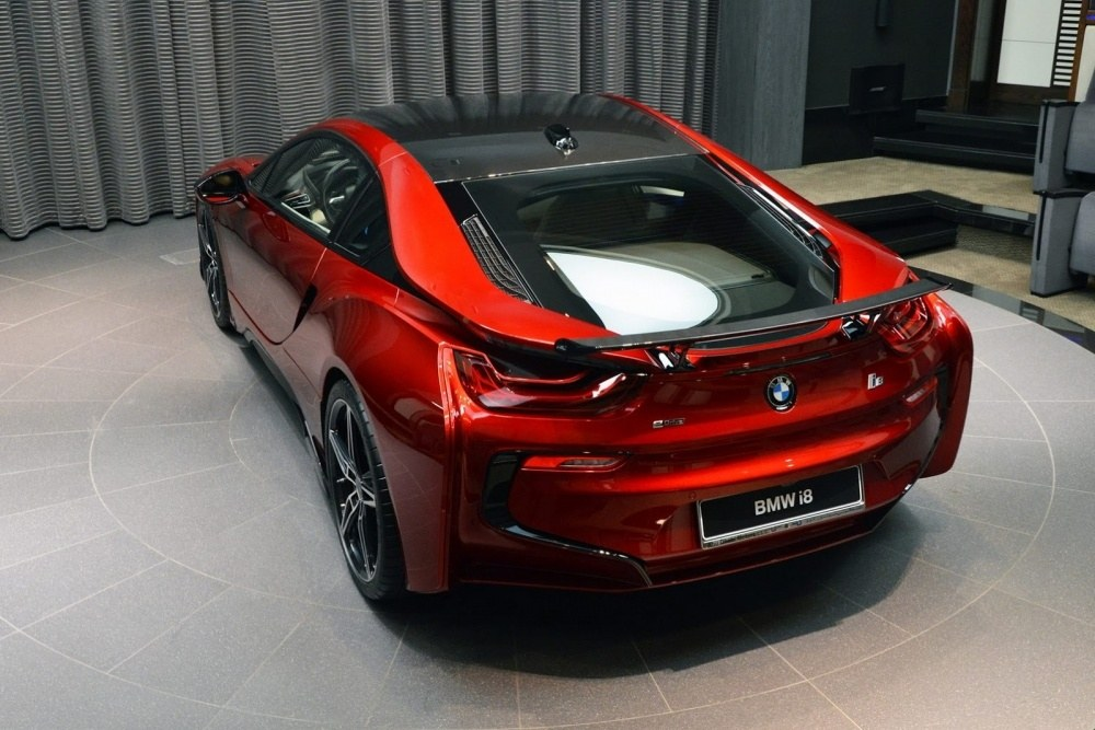 bmw-i8-lava-red-abu-dhabi-3